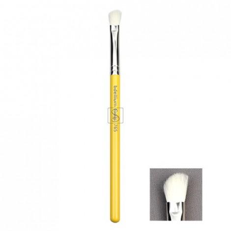 Studio 765 Small Angled Shader - Bdellium Tools